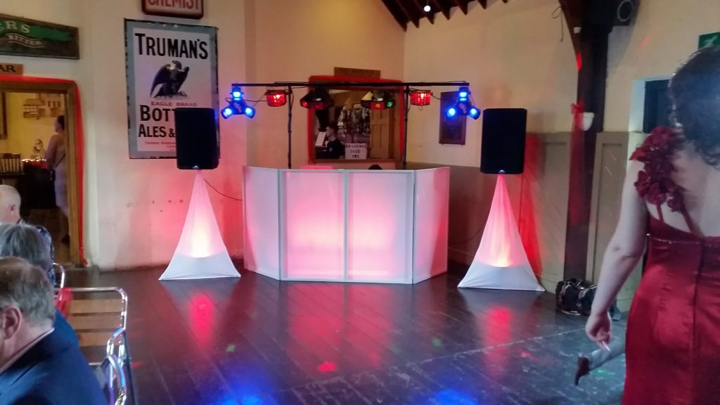 Mr and Mrs Meridths wedding - Red colour wash Three Tunns Inn Bishops Castle - Happy Sounds Mobile Disco