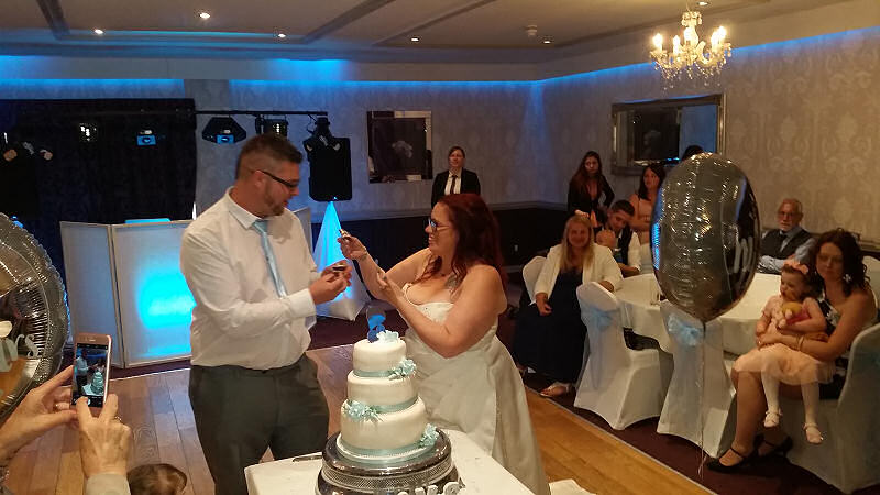 Cake Fight - Bride and Groom - Maesmawr Hall - Happy Sounds Mobile Disco
