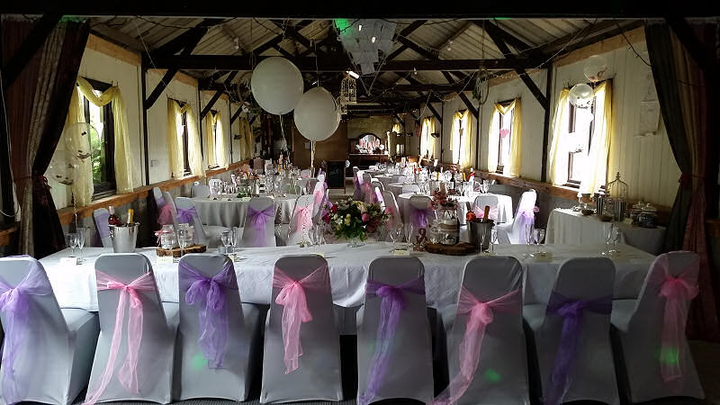 Top Table - Barnutopia Weddings Oswestry - Happy Sounds Mobile Disco